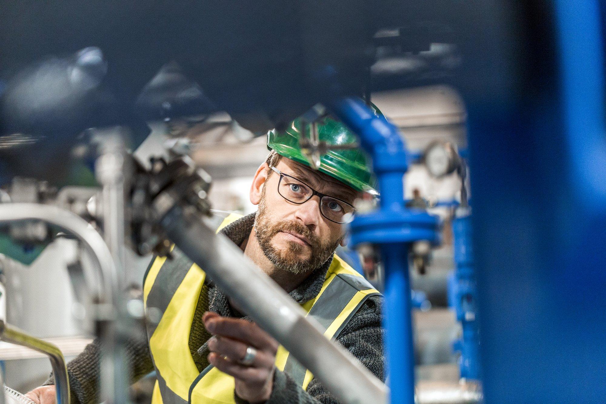 De basisprincipes in machineveiligheid toegelicht voor fabrikanten: interview met Dirk Van Mechelen, Manager Prosave
