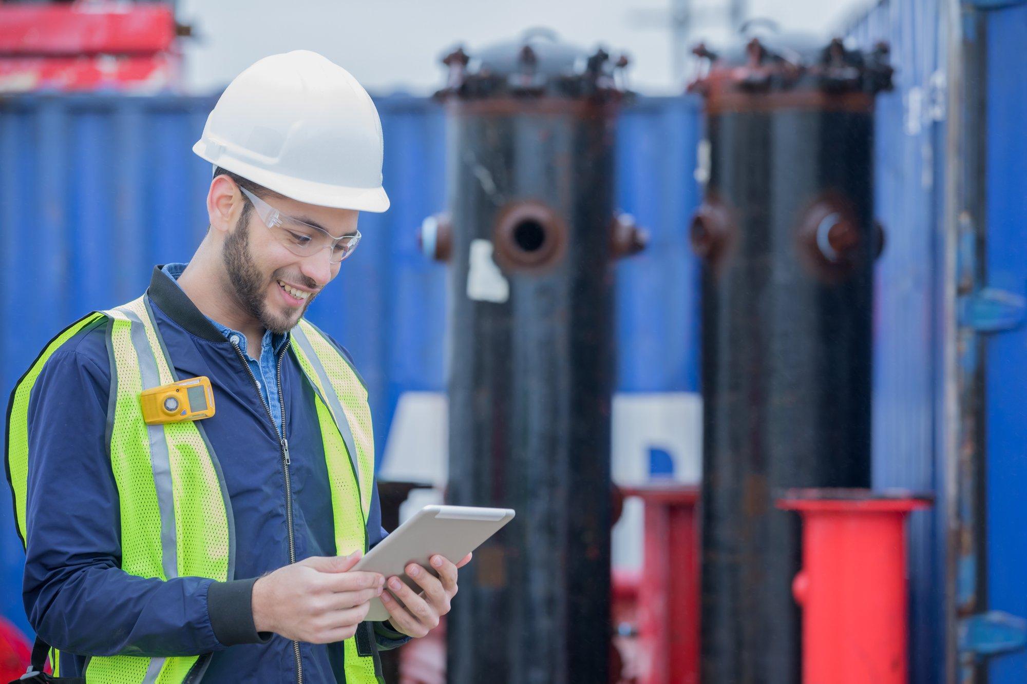 De basisprincipes in machineveiligheid toegelicht voor de preventieadviseur: interview met Dirk Van Mechelen, Manager Prosave